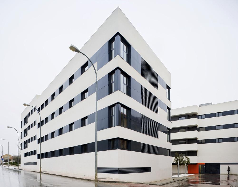 Edificio de 44 viviendas vpa mag n arquitectos for Plataforma de arquitectura