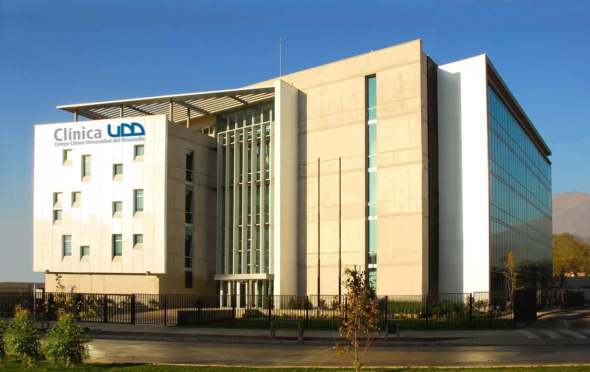 Clínica de la Salud Universidad del Desarrollo / Victor Lobos y Asociados Arquitectos Ltda, © Sebastián Lobos