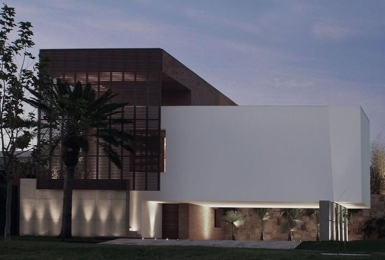 Casa SF / Studio Guilherme Torres, © Beto Consorte