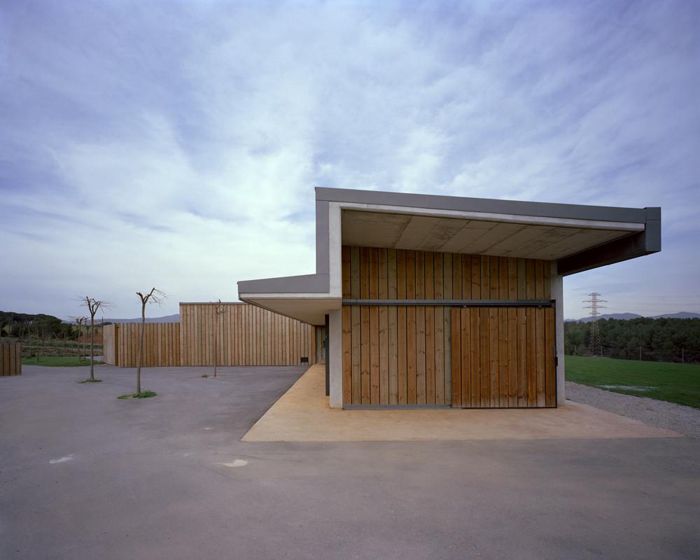 Escuela de Golf El Vallès / Conxita Balcells, © Jordi Bernadó