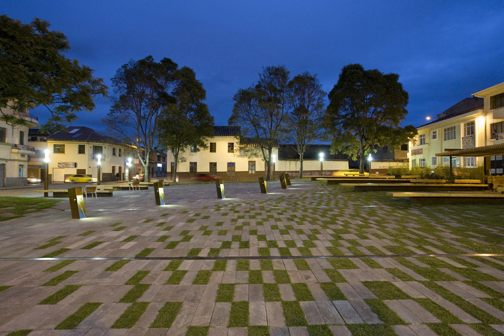 Plaza Victor J. Cuesta / DURAN&HERMIDA arquitectos asociados, © Sebastián Crespo