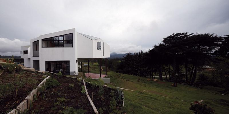 Casa en ladera / Paisajes Emergentes, © Cristóbal Palma