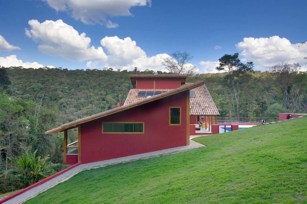 Casa Bosque en Horizonte / David Guerra, © Jomar Bragança