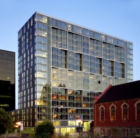 Edificio Cyan / GBD Architects + THA Architecture Inc.