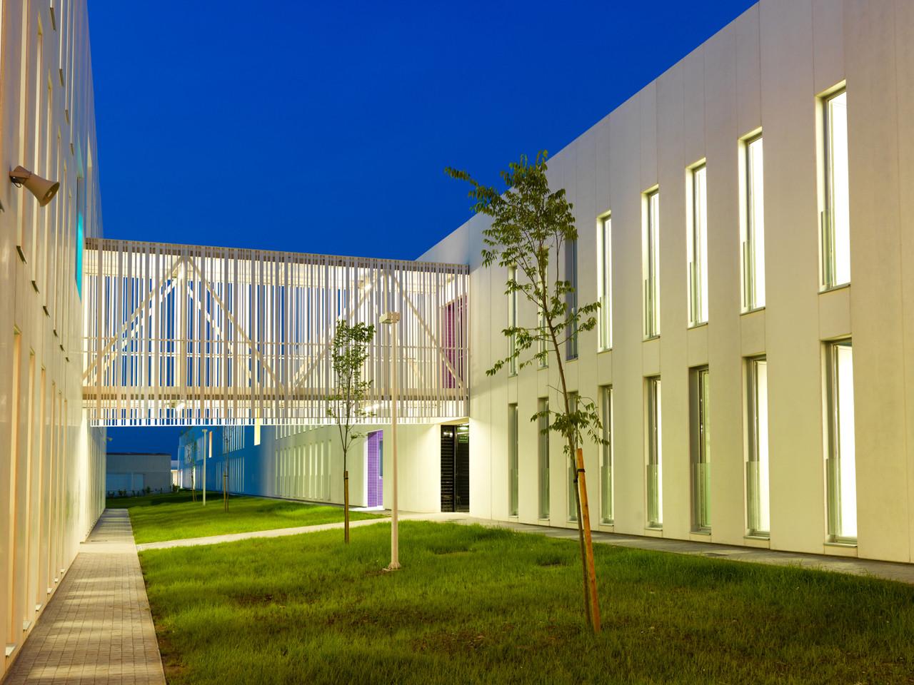 Escuela Secundaria Jaume I. Ontinyent / Ramon Esteve, © Xavier Mollà