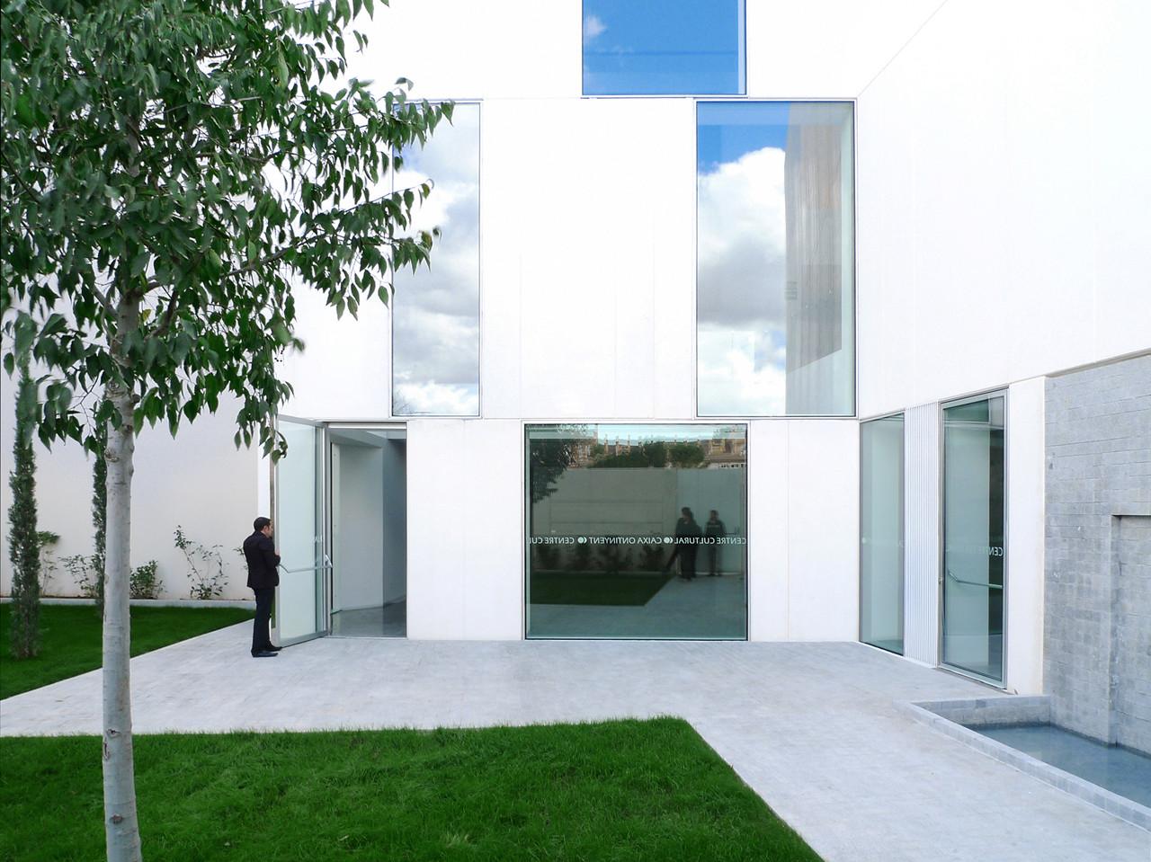 Centro Cultural Caixa Ontinyent / Ramon Esteve, © Xavier Mollà