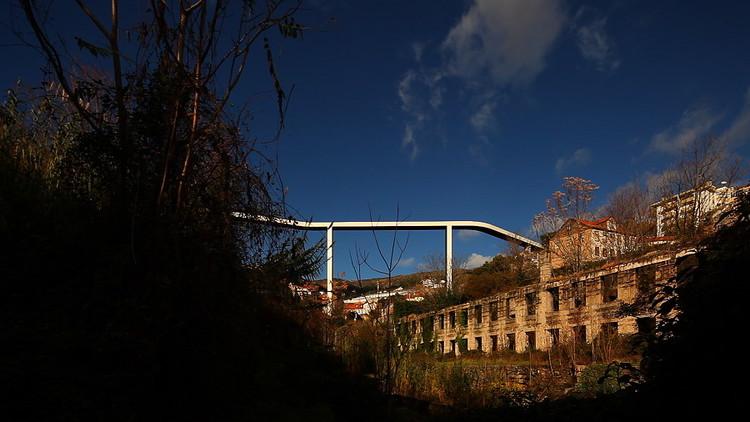 Puente Peatonal / JLCG Arquitectos + AFA ARQUITECTOS, © Vítor Gabriel