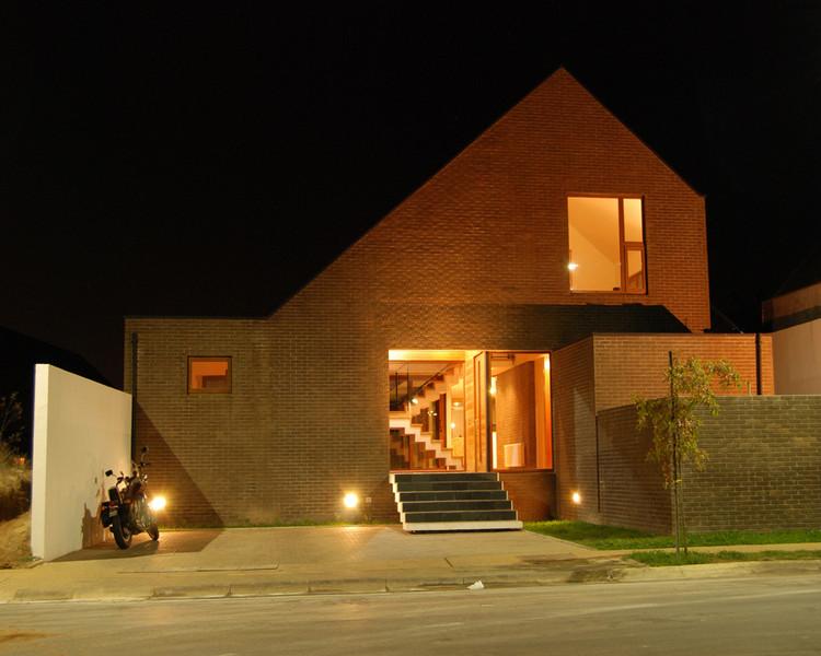 Casa Nuñez / Pradoarquitectos
