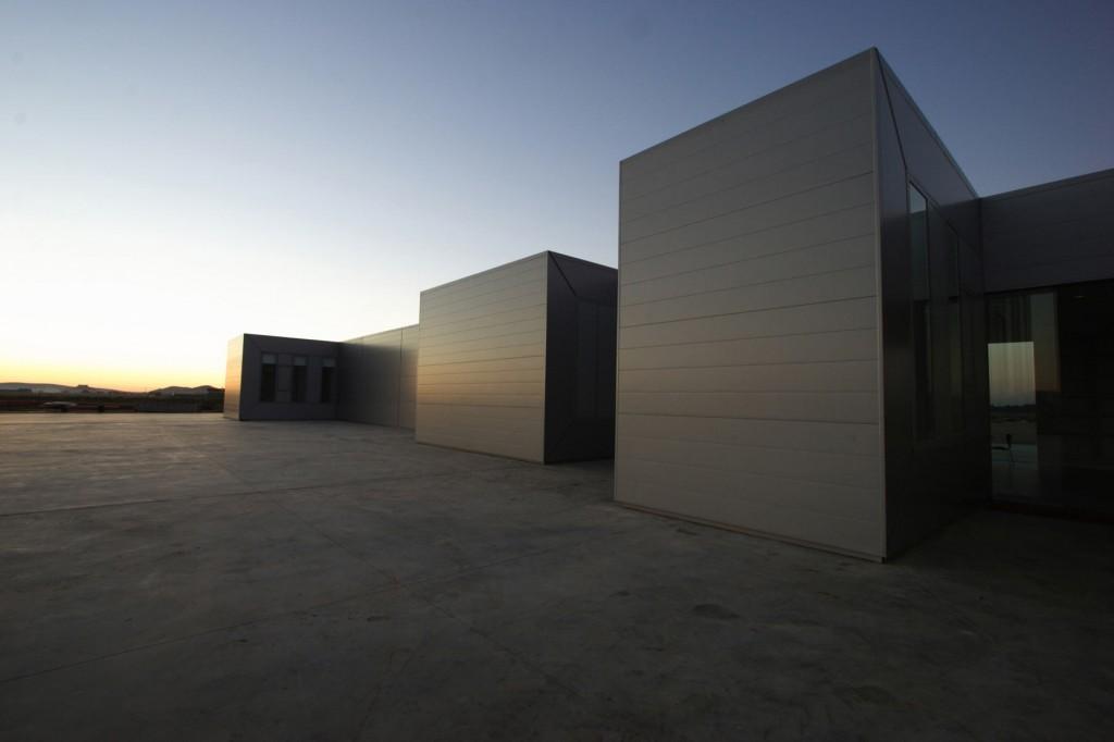 Edificio de Oficinas Pronat / José María Sánchez García, © Pedro Pegenaute