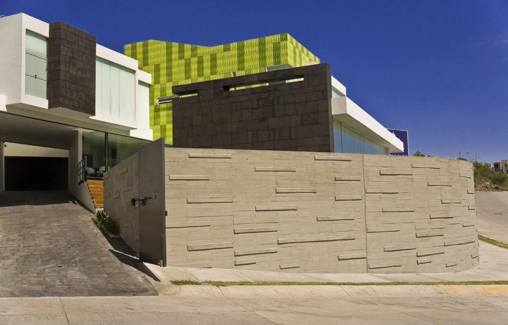 Casa verde / Taller 5 arquitectos, © Roberto Ortiz