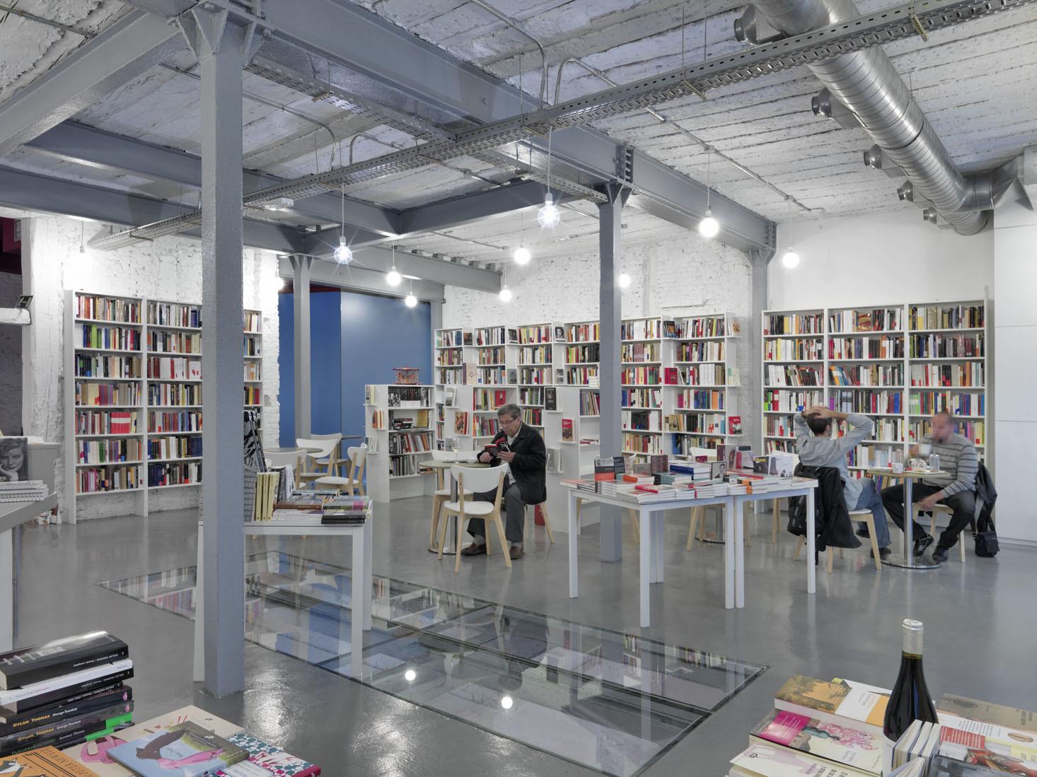 Librería y Café / MYCC oficina de arquitectura, © Javier Ortega