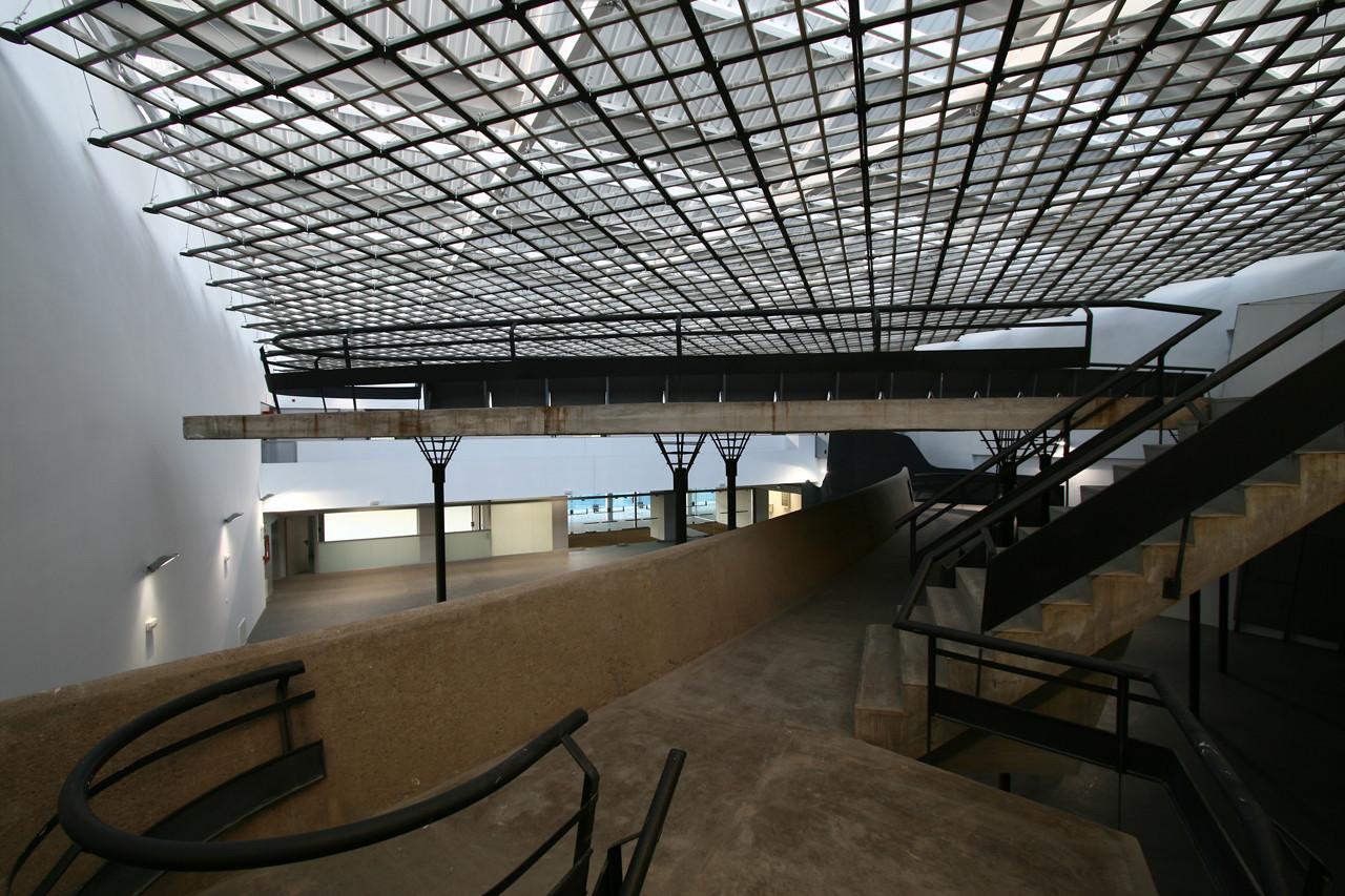 Biblioteca Font de la Mina Sant Adrià del Besòs / Soldevila Arquitectos, © M. Grassi