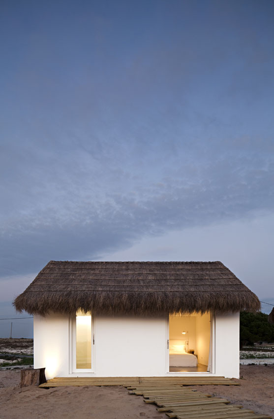 Casa na Areia / Aires Mateus Architects