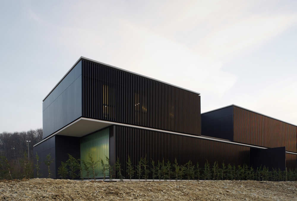 Centro de acogida de pamplona javier larraz plataforma - Arquitectos en pamplona ...