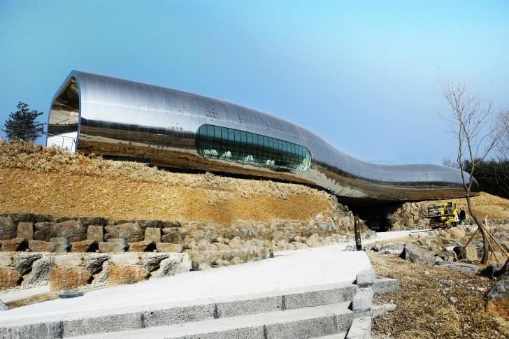 Museo de la Prehistoria / X-TU Architects, © X-TU Architects