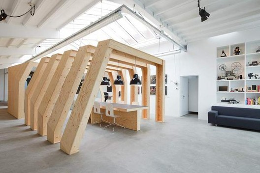 Estudio creativo Onesize / Origins Architecture + KnE+, © Stijn Stijl