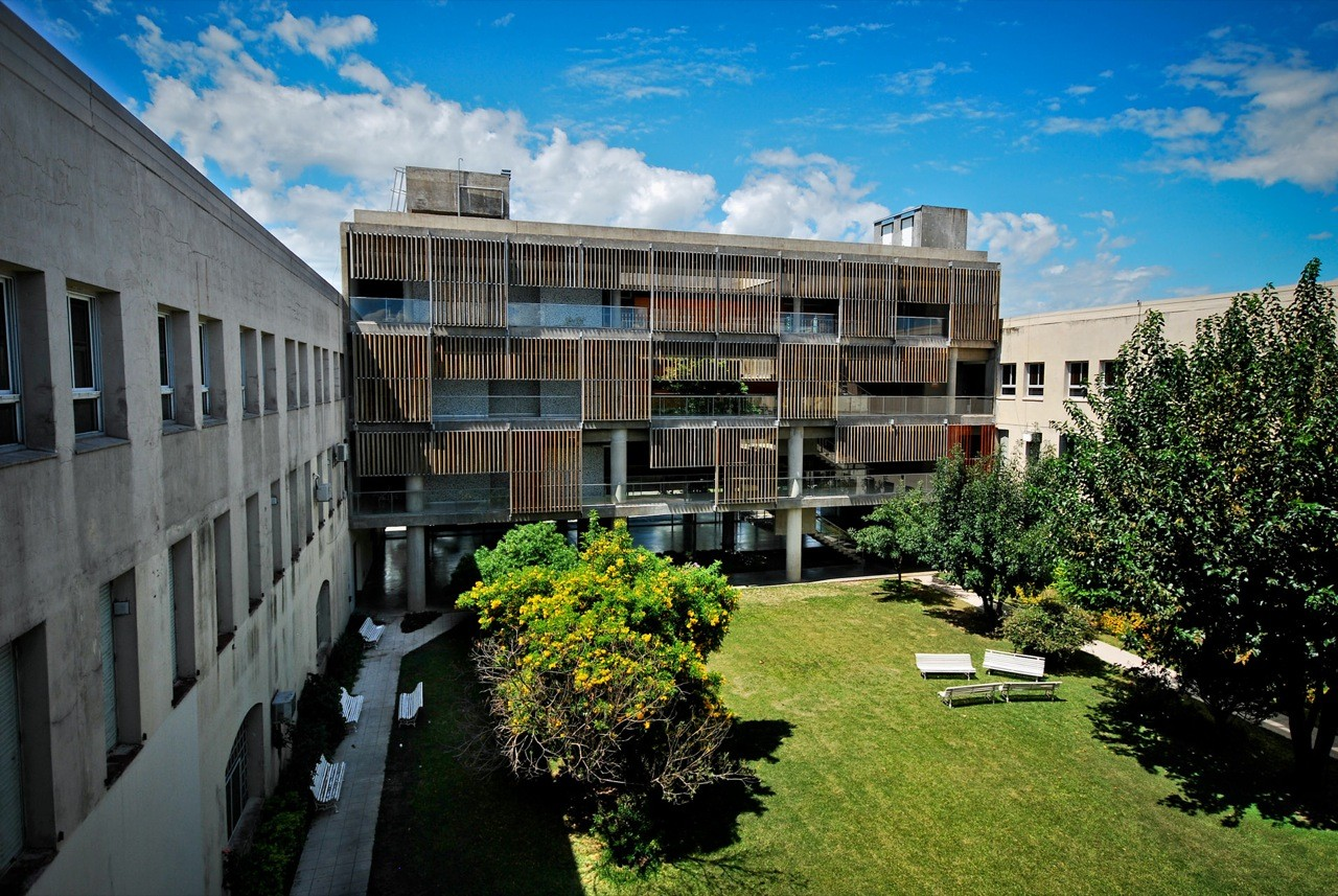 Catholic University of Santa Fe Extensions / Javier Mendiondo y Lucila Gómez, © Federico Cairoli