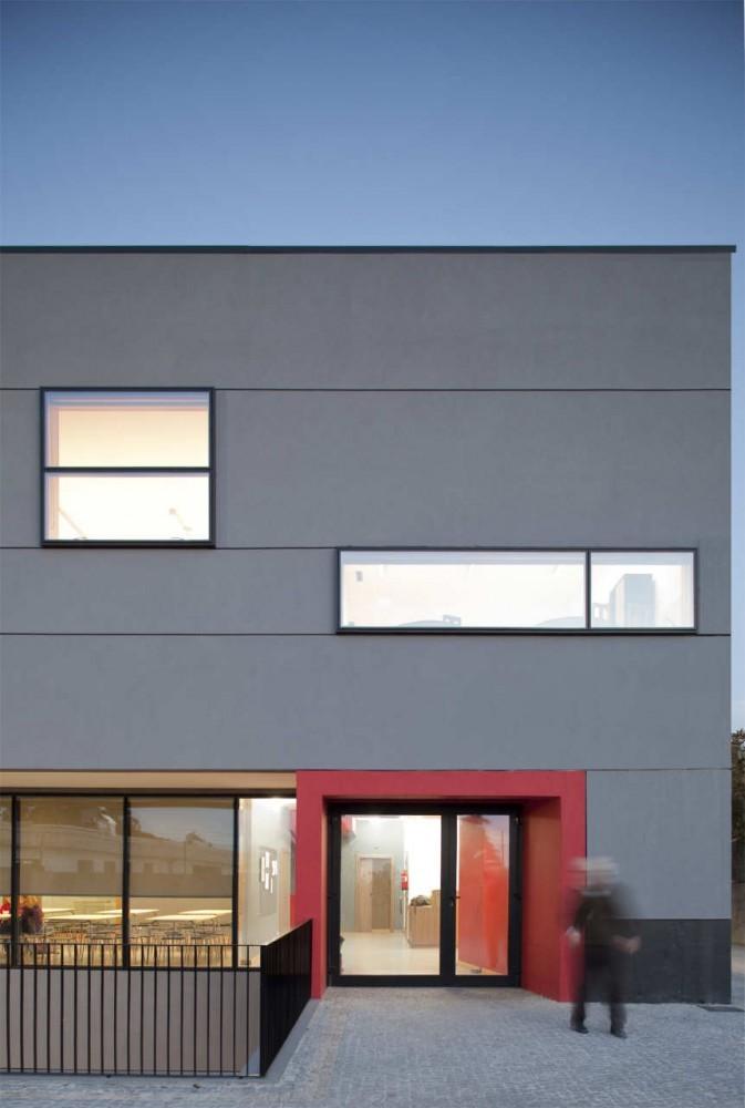 Centro Educacional y Clínico en Matosinhos / A+R arquitectos, © Nelson Garrido