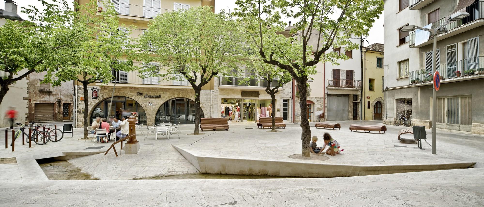 Remodelaci n del casco antiguo de banyoles mias arquitectes archdaily m xico - Casco antiguo de girona ...