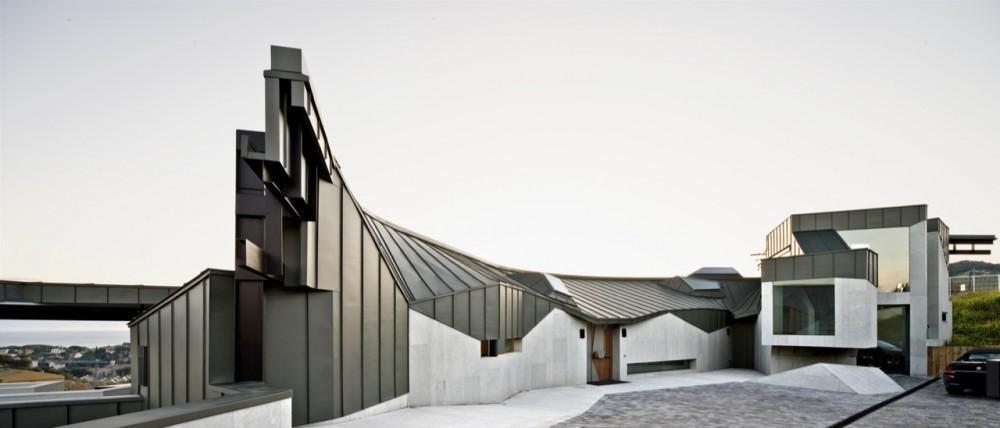 Casa Topográfica en Llavaneres / MiAS Arquitectes, © Adrià Goula
