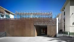 Municipal Center for Citizen Activities / Sección B Arquitectura