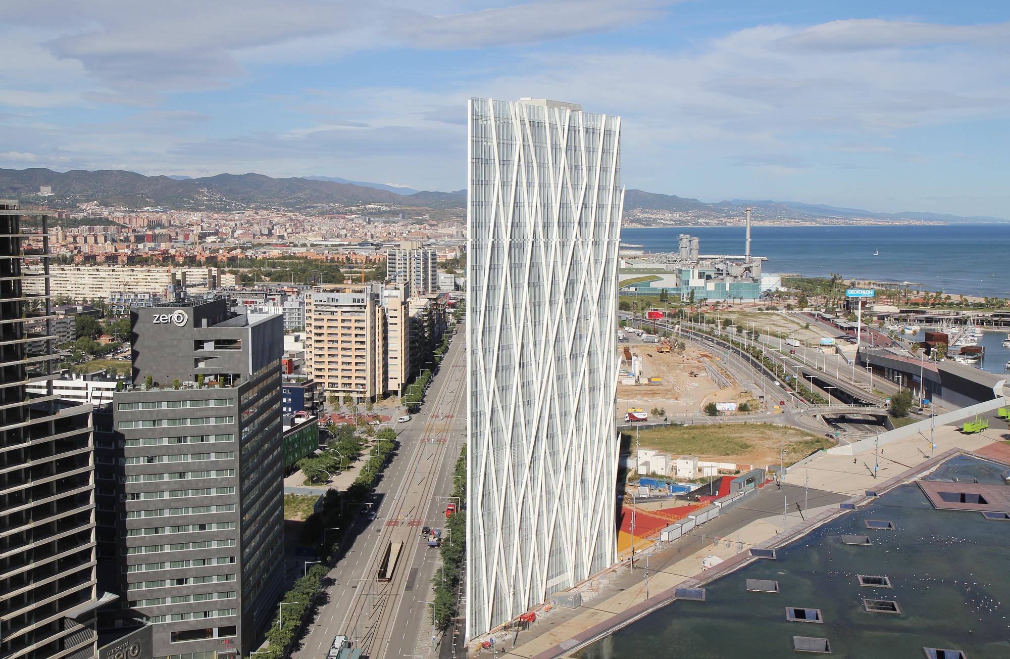 Nueva Torre Diagonal Zero Zero / EMBA, © mylapse