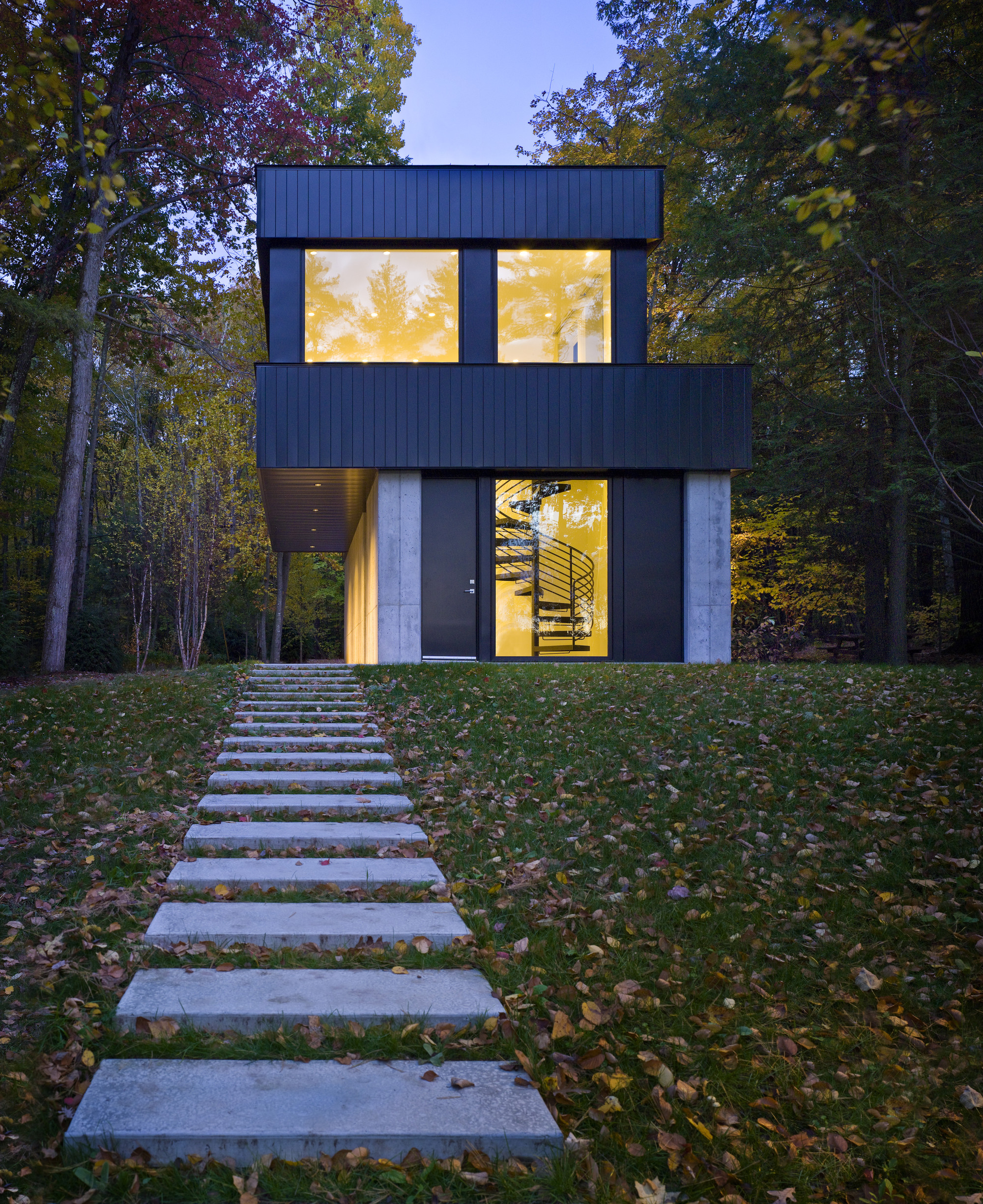 Gallery Of Cantilever Lake House Birdseye Design 5
