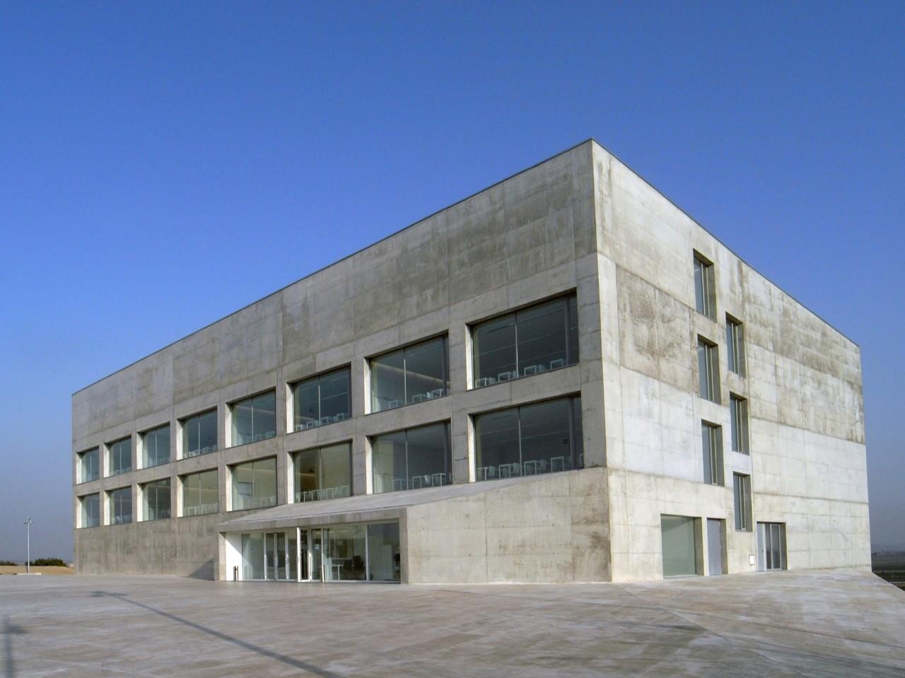 gallery of school of communication san jorge university