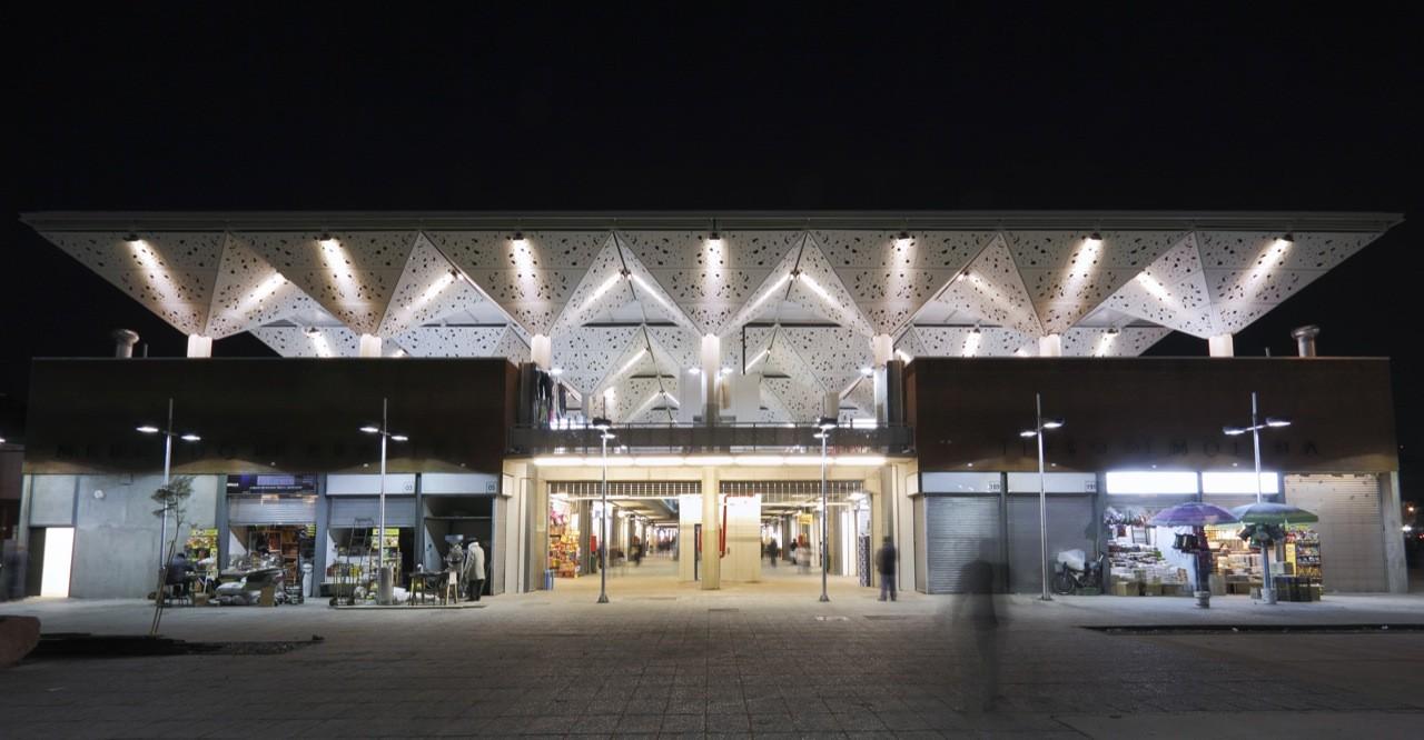 Mercado Tirso de Molina / Iglesis Prat Arquitectos, © Pedro Mutis
