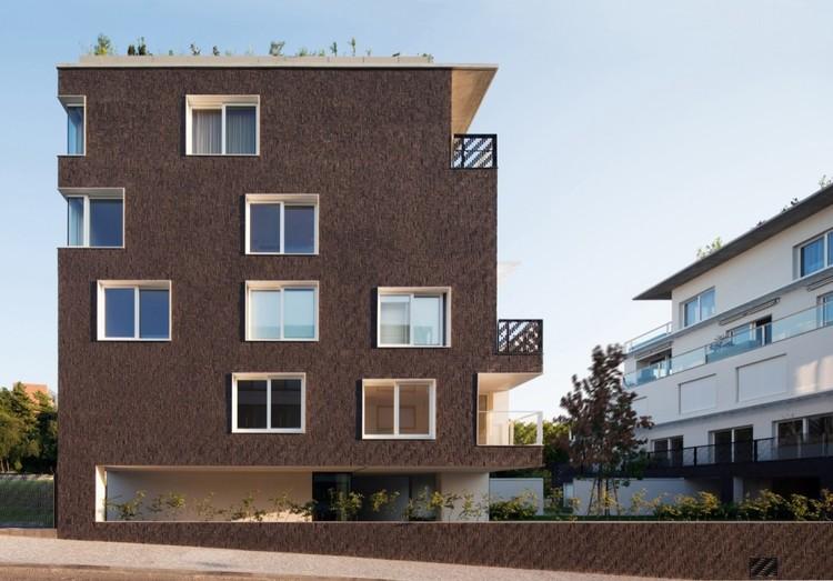 Bloques de Viviendas / Znameni Ctyr Architekti