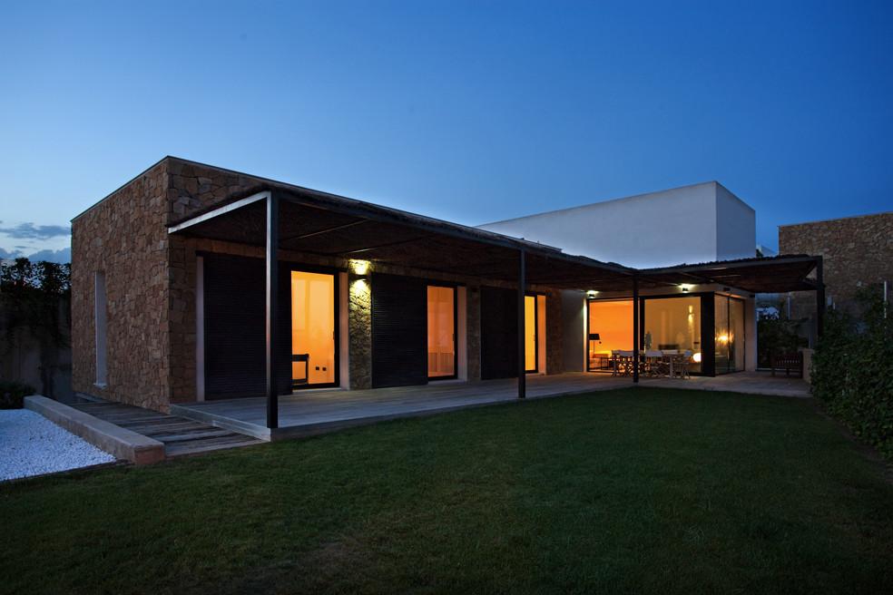 Galer a de 8 viviendas unifamiliares de santa barbara - Proyectos casas unifamiliares ...