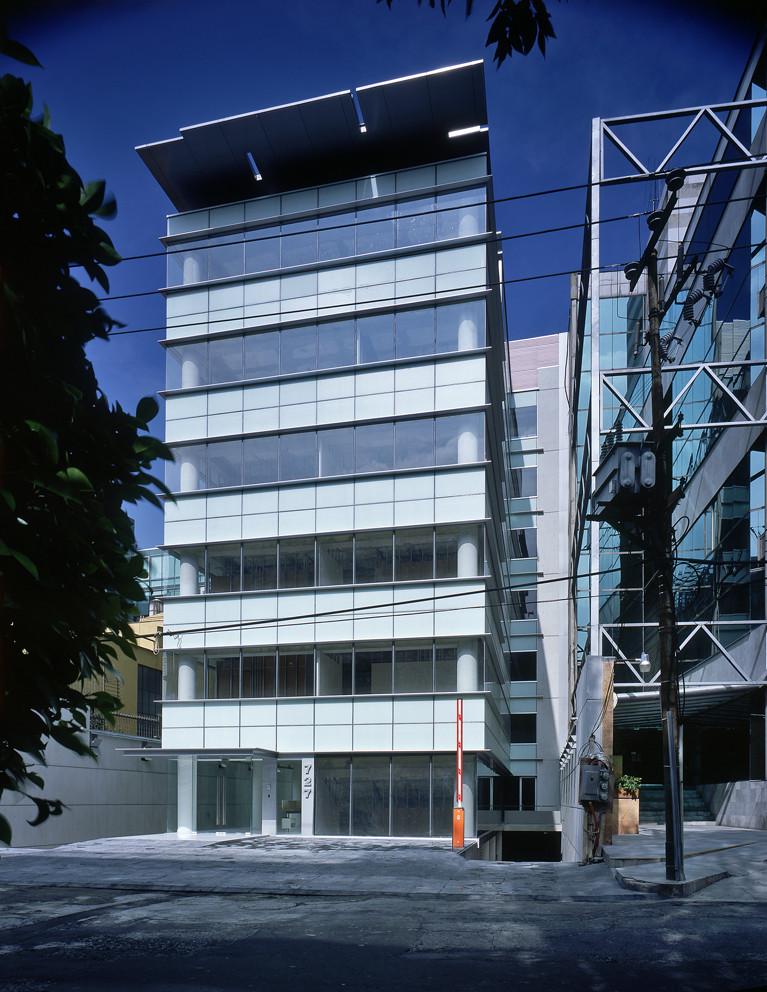Edificio de oficinas mu 727 archetonic archdaily m xico for Edificio oficinas