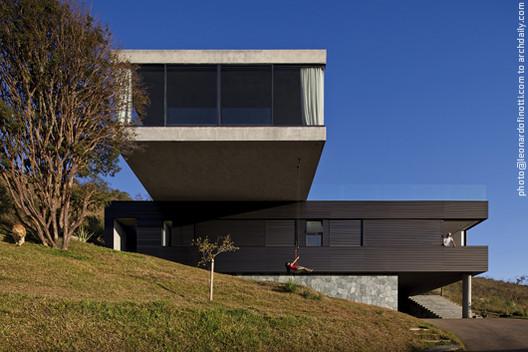 Casa EG / Marcelo Alvarenga, © Leonardo Finotti