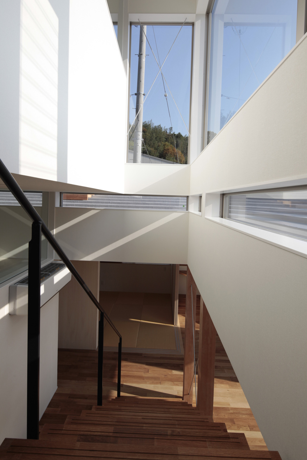 House of Bank and Roof / Masao Yahagi Architects