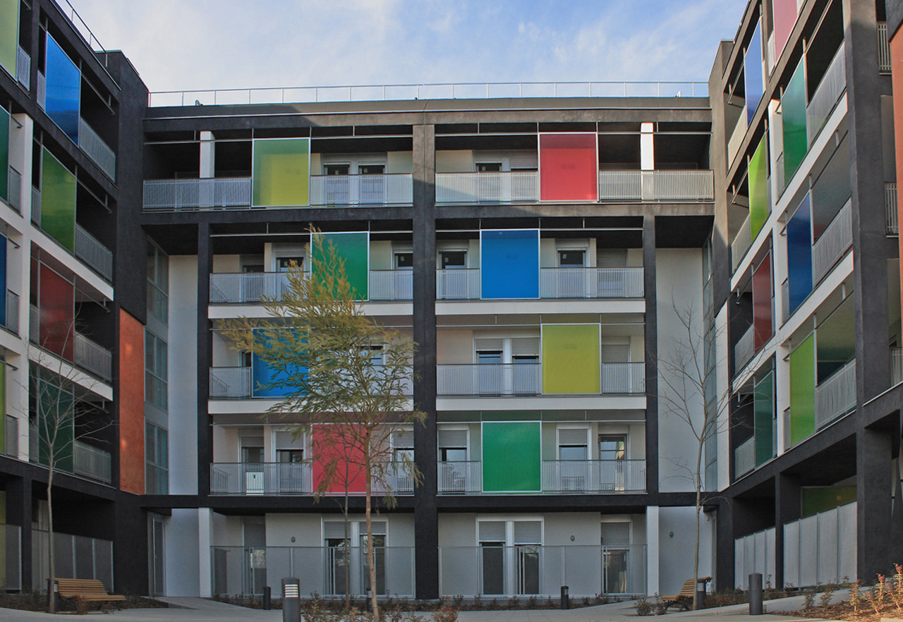 106 Viviendas sociales en Sant Cugat / Guàrdia Veciana Arquitectura, © Xavier Massagué