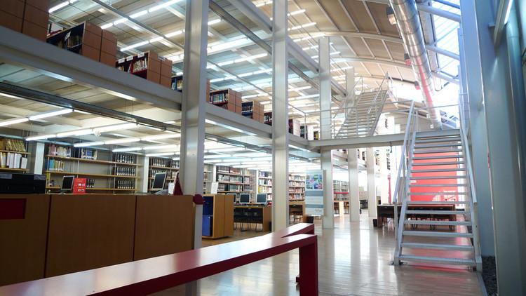 Biblioteca Central Universidad de Moron / Estudio Borrachia, Cortesía Estudio Borrachia