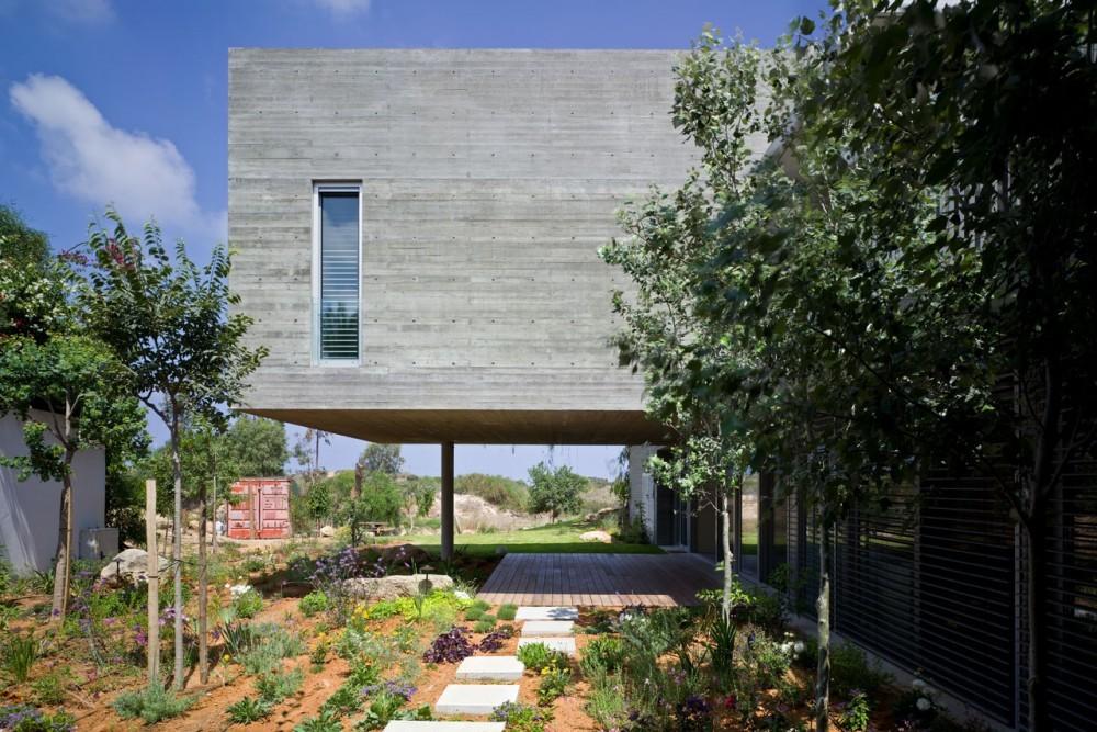 Casa Privada / Weinstein Vaadia Architects, © Amit Geron