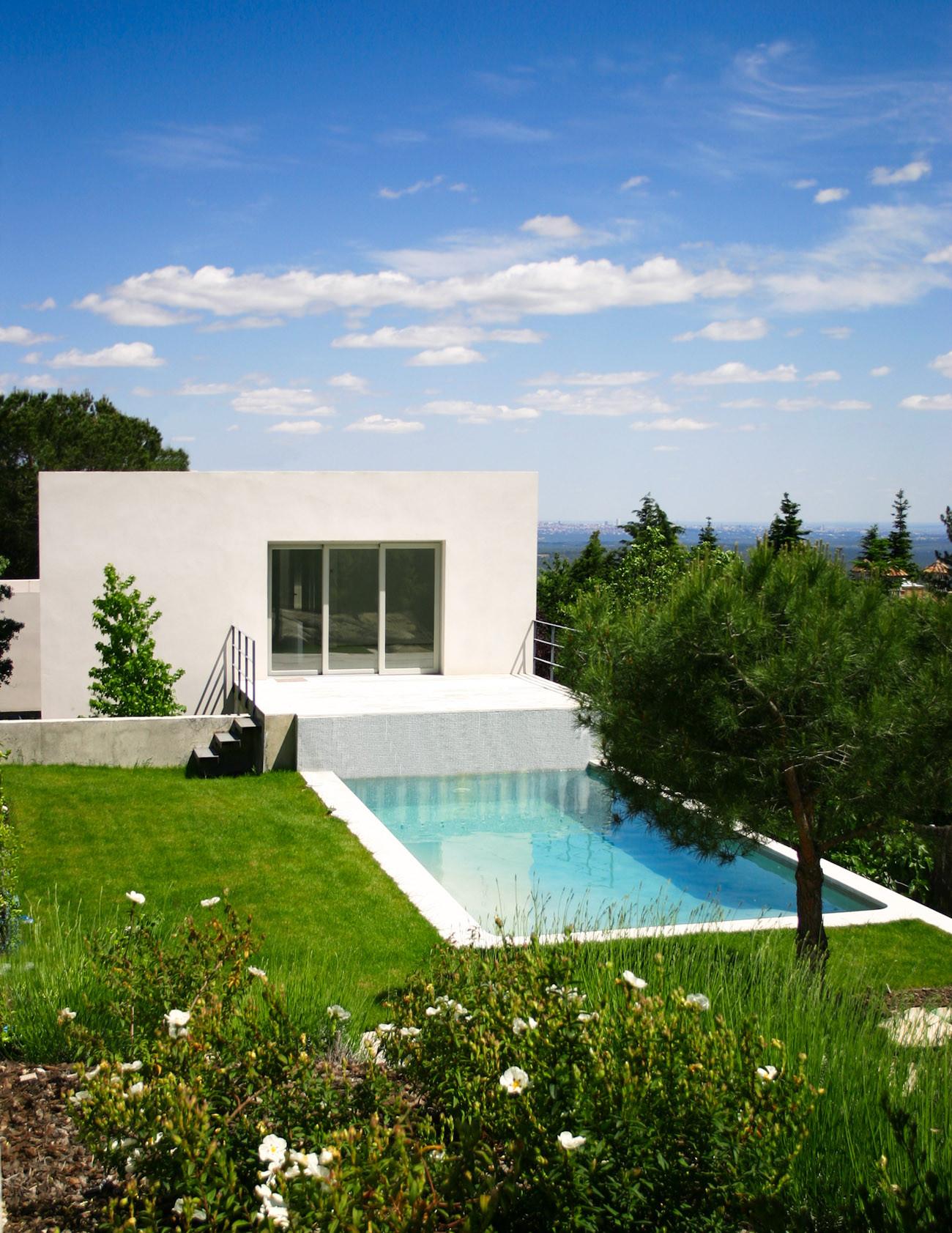 Galer a de casa del pico baton arquitectura 1 for Se puede fumar en piscinas