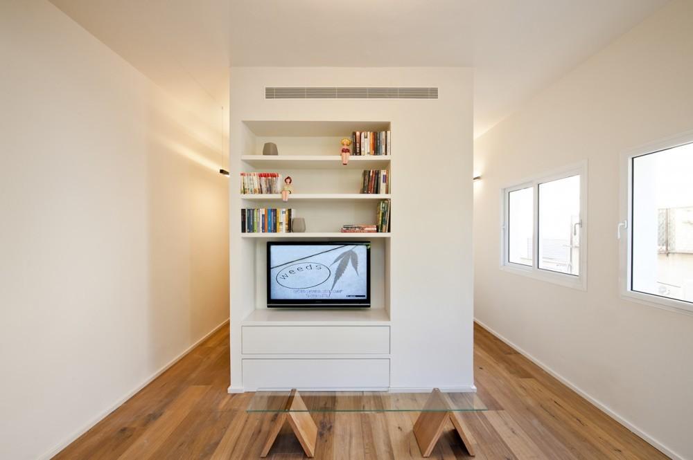 Renovación en 40 m2 / SFARO, © Boaz Lavi & Jonathan Blum