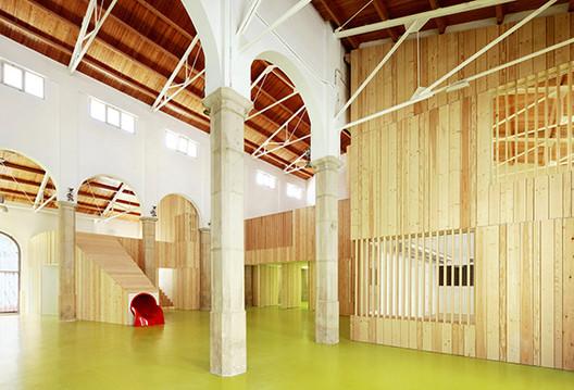 Centro Cívico y de Ocio Infantil / Miquel Mariné + César Rueda, © José Hevia