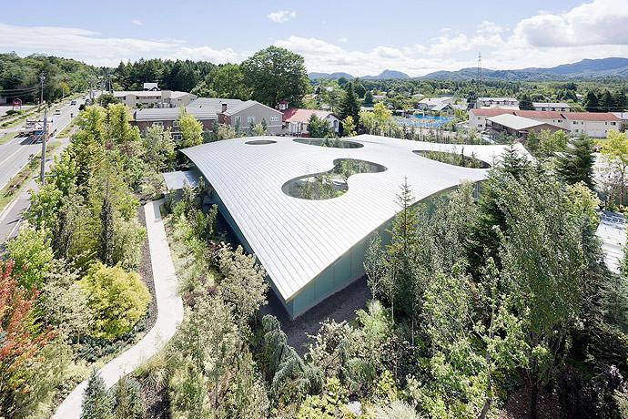 Museo Hiroshi Senju / Ryue Nishizawa, © Iwan Baan