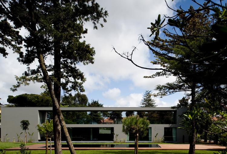 Casa en Estoril / Frederico Valsassina Arquitectos, Cortesía de Frederico Valsassina Arquitectos