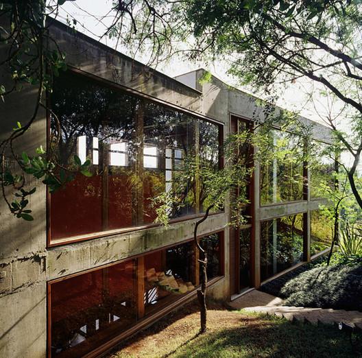 Casa Villa del Rey / Carlos M Teixeira (Vazio S/A), © Eduardo Eckenfels