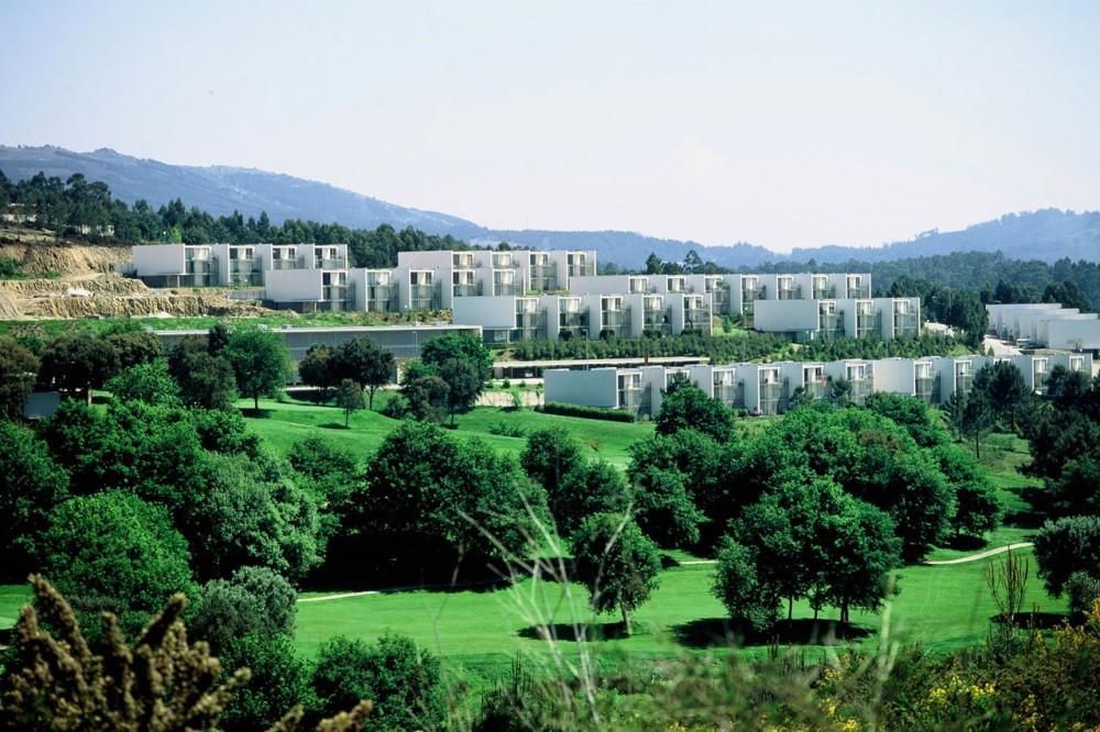 Hotel del Golf / Topos Atelier de Arquitectura, © Xavier Antunes