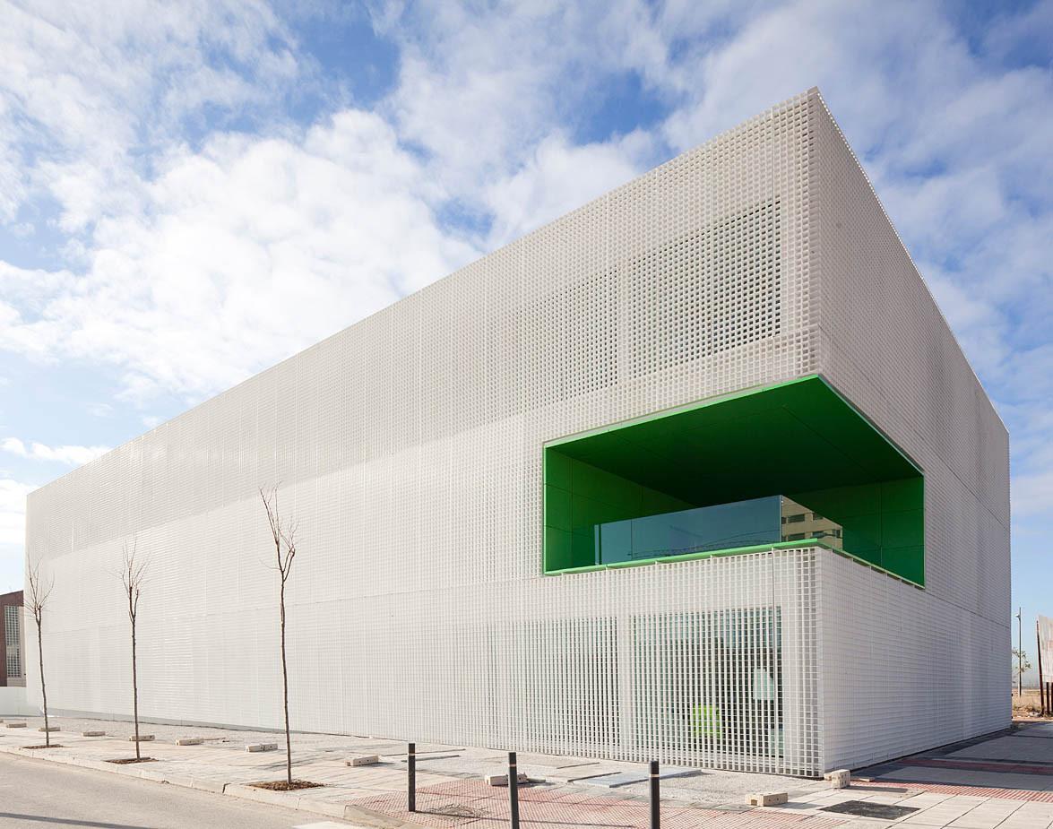 Centro de Servicios Sociales en Móstoles / dosmasunoarquitectos, © Miguel de Guzmán