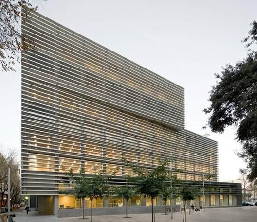 Inauguran Edificio de Oficinas de la Seguridad Social Drassanes en Barcelona / BCQ Arquitectes, © Pedro Pegenaute