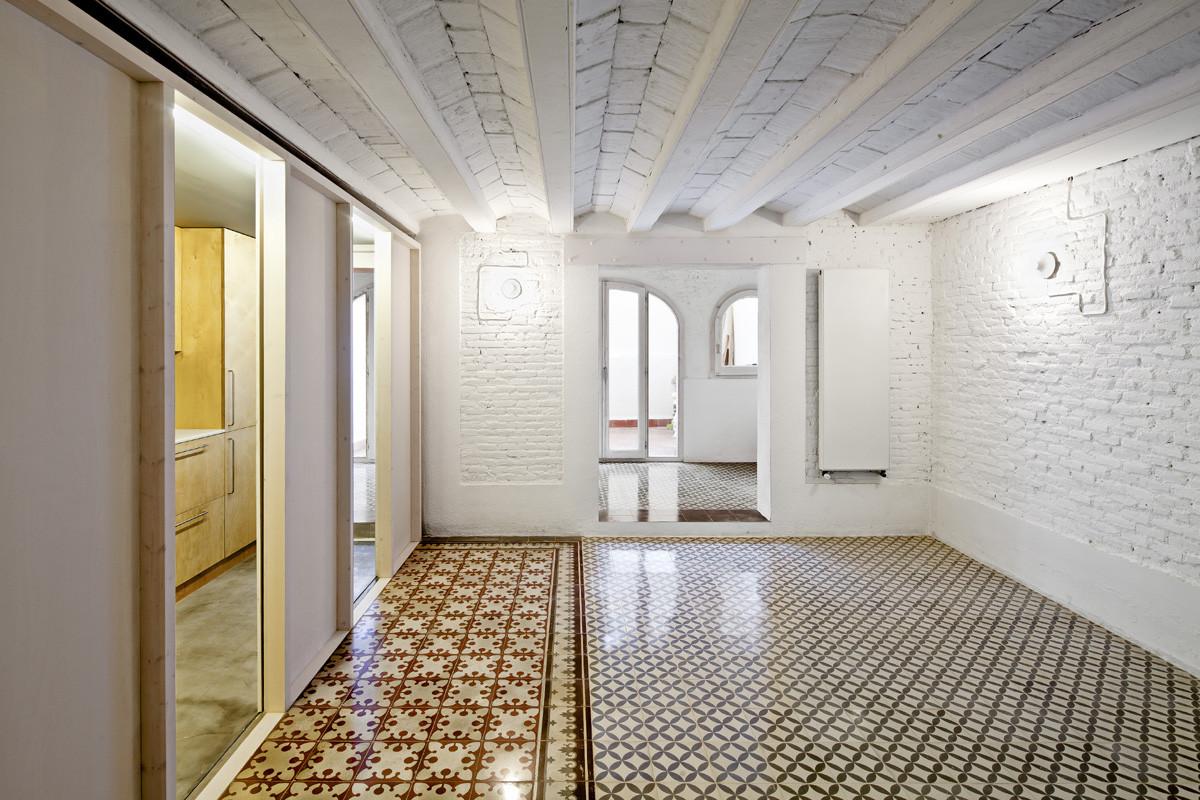 Apartment Restoration in Barcelona / Vora arquitectura , © Adrià Goula