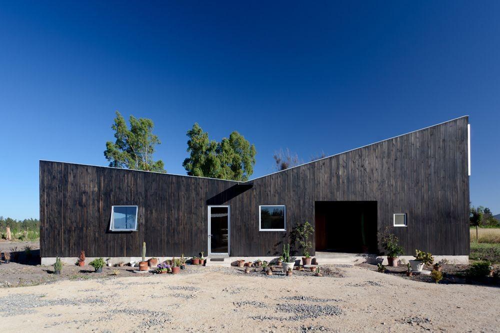Casa Santa Julia / Emilio Marin Arquitectos
