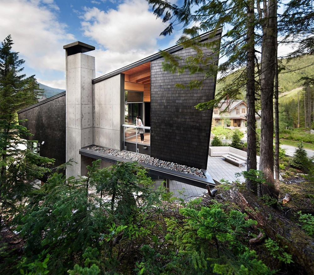 Residencia Whistler / BattersbyHowat Architects