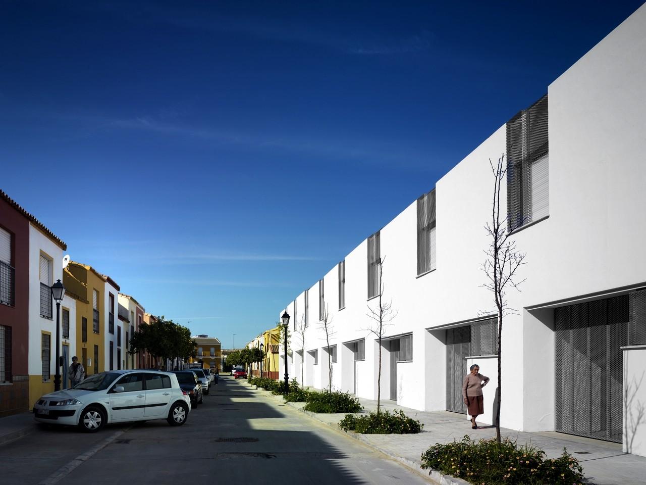 26 viviendas en umbrete gabriel verd arquitectos plataforma arquitectura - Arquitectos en granada ...